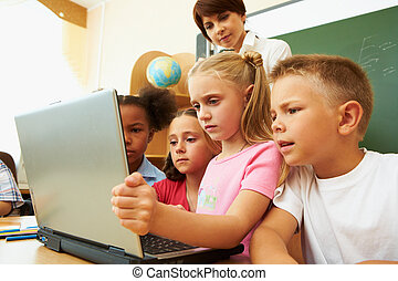 Learning information - Portrait of several kids and their...