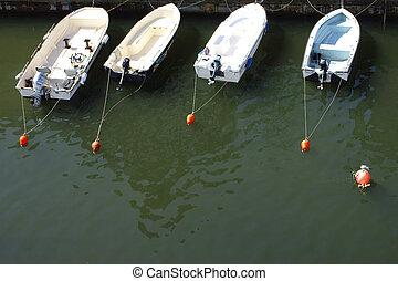 Leashed boats