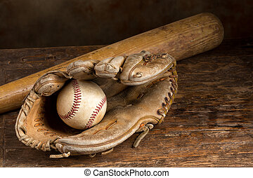 Leather baseball glove