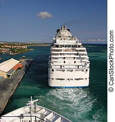 Leaving - A cruiseship leaving the port...