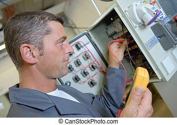 lecture, électricien, tension