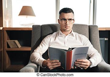 lecture, avocat, prometteur, droit & loi, administratif, intelligent