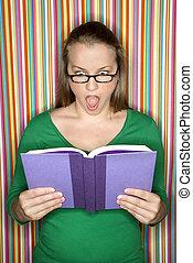 lecture femme, book., choqué