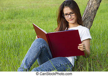 lecture, femme, herbe