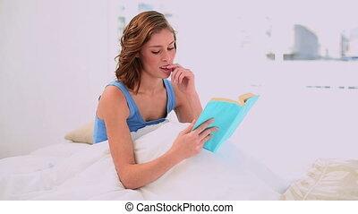 lecture, femme, livre, content