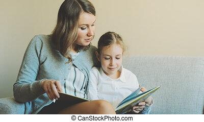 lecture, fille, book., mère
