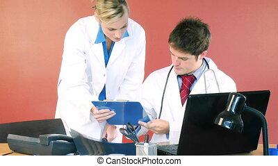 leczy, samiec, samica, biuro, dokumenty, znacząc