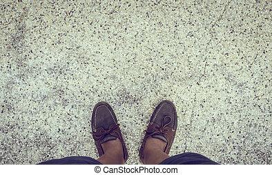 leder, schoentjes, staand, op, straat, stad, wandeling