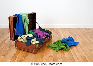 leder, volle, kleding, kleurrijke, koffer