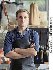 leder, workshop, eigenaar