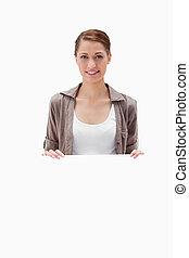 leeg, glimlachende vrouw, vasthouden, meldingsbord