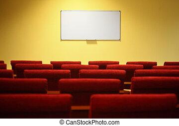 leerer , konferenz, hall., fokus, auf, a, screen., reihen, von, stühle, in, heraus, von, fokus.