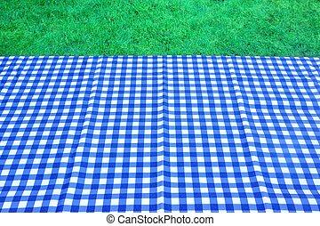 leerer , picknicken tisch, mit, blaues, weißes, tischtuch, hintergrund