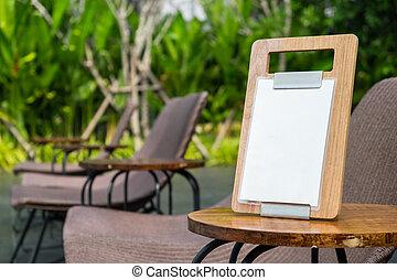 lege, menu, frame, staand, op, hout, tafel, in, terras, dichtbij, de, tuin, de ruimte van het exemplaar, voor, tekst