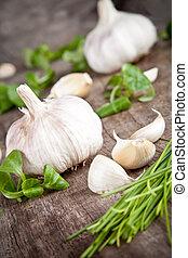 legno, aglio fresco, tavola