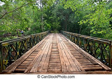 legno, con, acciaio, ponte, per, attraversare, flusso, fiume, da, tad, pha, suam, cascate