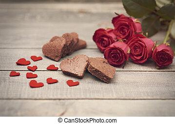 legno, rose, cuori, tavola