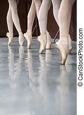 Legs dancers on pointe