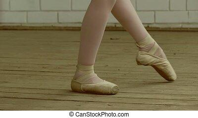 legs girls in pointe slow motion video