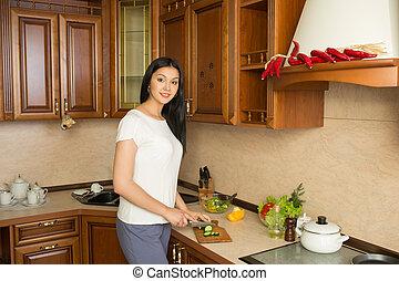 legumes, mulher, jovem, cozinha, sorrindo