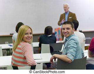 lehrer, mit, a, gruppe, von, studenten, in, klassenzimmer