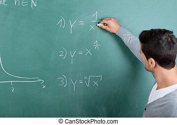 lehrer, schreibende, a, formel, auf, der, tafel