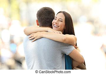 lei, secondo, abbracciare, amica, socio, incontro, felice