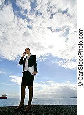 lei, telefono, mobile, donna d'affari, parlare, bordo, acqua