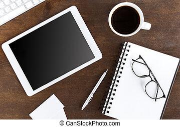 lejlighed, lægge, hos, trådløs, digital tablet, hos, kaffe kop, på, arbejdspladsen
