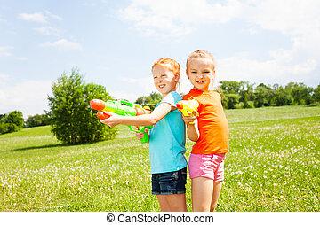 lek, flickor, två, vatten, underbar, vapen
