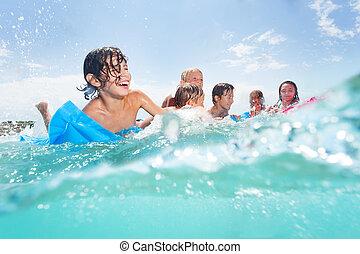 lek, lurar, matrass, hav, grupp, lycklig
