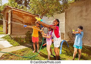 lek, vatten, lek, lycklig, pister, lurar, strid, gevär