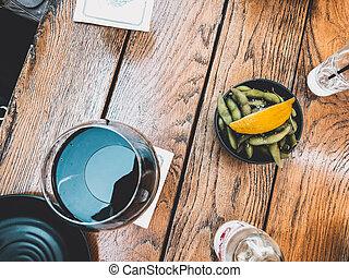 lemon., pois, foyer, mouvement, verre, sélectif, verre., barbouillage, vin rouge