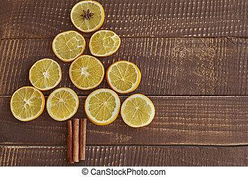 Lemon slices in the shape of Christmas tree