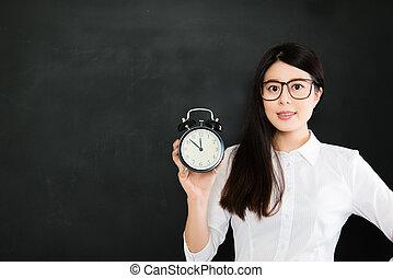 lenni, jó, nagyon, fontos, ismer, idő, tanár, kell