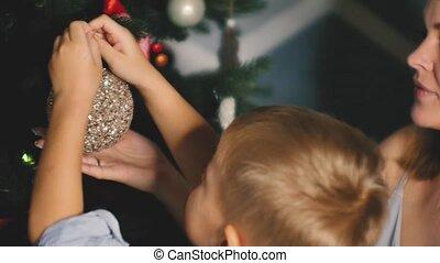lent, arbre, toys., hiver, célébrer, peu, home., fetes, noël...