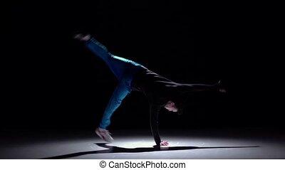 lent, breakdance, danse, débuts, moderne, mouvement, sauter, noir, homme, ombre