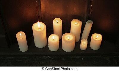 lent, coup, brûlé, mur, bougies, métal, floor., bois, panoramique