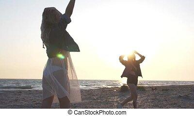 lent, habillé, jean, jeune, mouvement, soir, rayons, rivage,...