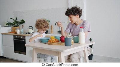 lent, manger, fils, mouvement, conversation, céréale, mère, ...
