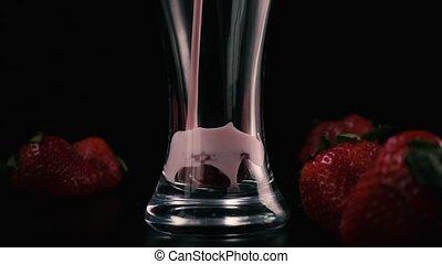 lent, mo, verser, verre, milkshake., fraises