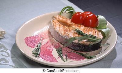 lent, saumon, mouvement, dispersé, rosemary., bifteck