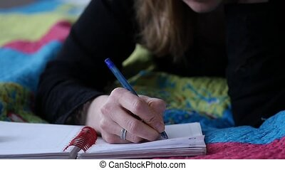 lent, sed, adolescent, elle, écrit, jeune, lit, mouvement, mensonges, femme, diary., experiences.