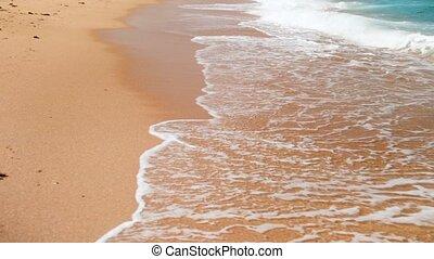 lent, vagues, o, océan, mouvement, rivage, vidéo, 4k, nthe, rouler, plage