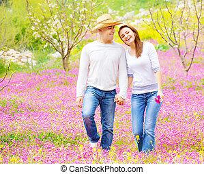 lente, wandelende, park, paar, hartelijk
