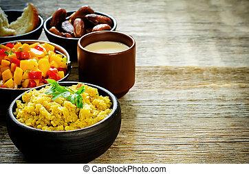 lentejas, tomate, fechas, ensalada, mango, curry, rojo