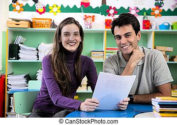 leraar, en, ouder, in, klaslokaal