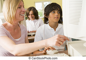 leraar, en, schooljongen, studerend , voor, een, school, computer