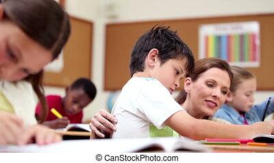 leraar, het verklaren, iets, om te, een, pupil