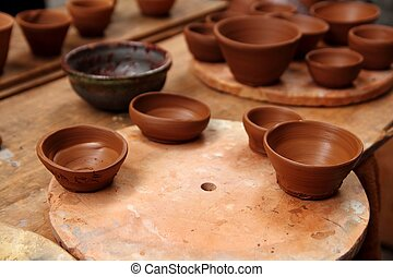 lergods, krukmakare, lera, handcrafts, årgång, bord